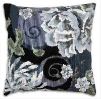 Floral Swirl in Black, kit coussin canevas Anchor