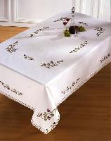 "Glycines, nappe "" Brodart "", Broderie Traditionnelle"