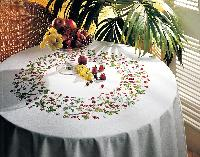 "Fruits Rouges, nappe ronde 160 cm "" Margot Broderie "",  Broderie Traditionnelle"
